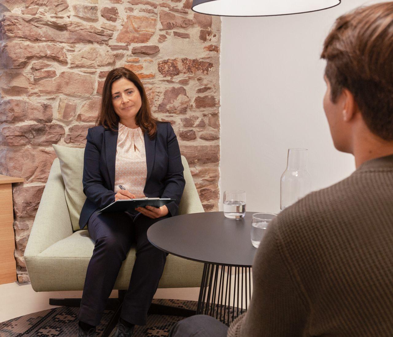 Dr. Gianina Westenfelder hilft Ihnen als Fachärztin für Psychiatrie und Psychotherapie